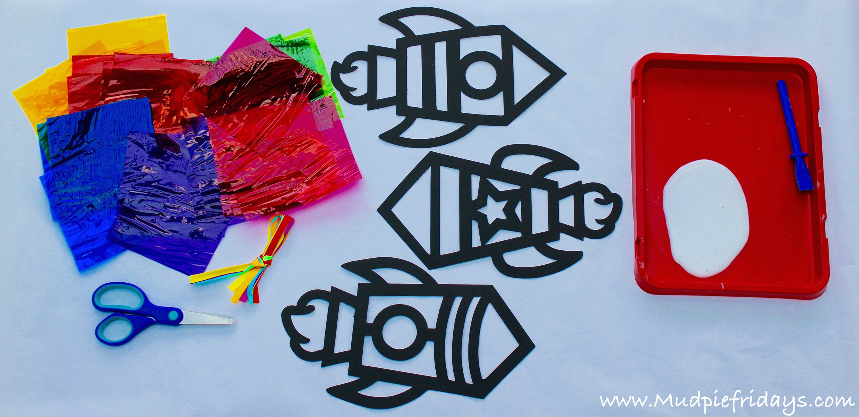 Baker Ross - Rocket Stained Glass Effect Decoration Kit