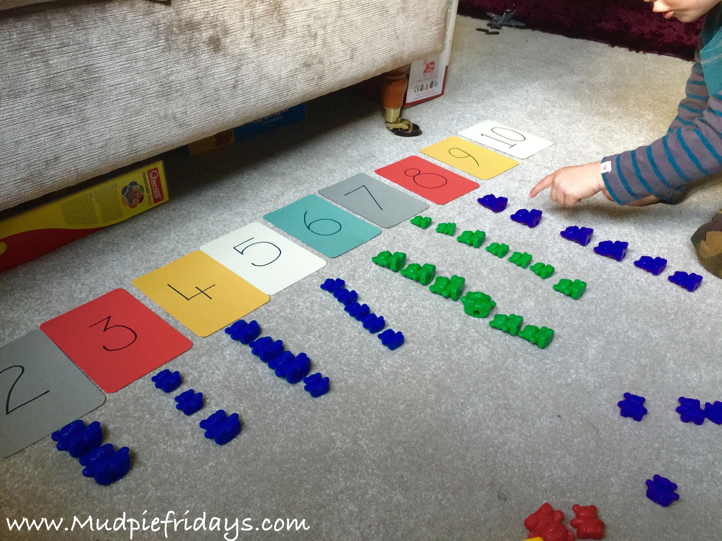 Simple counting activity for a 3 year old