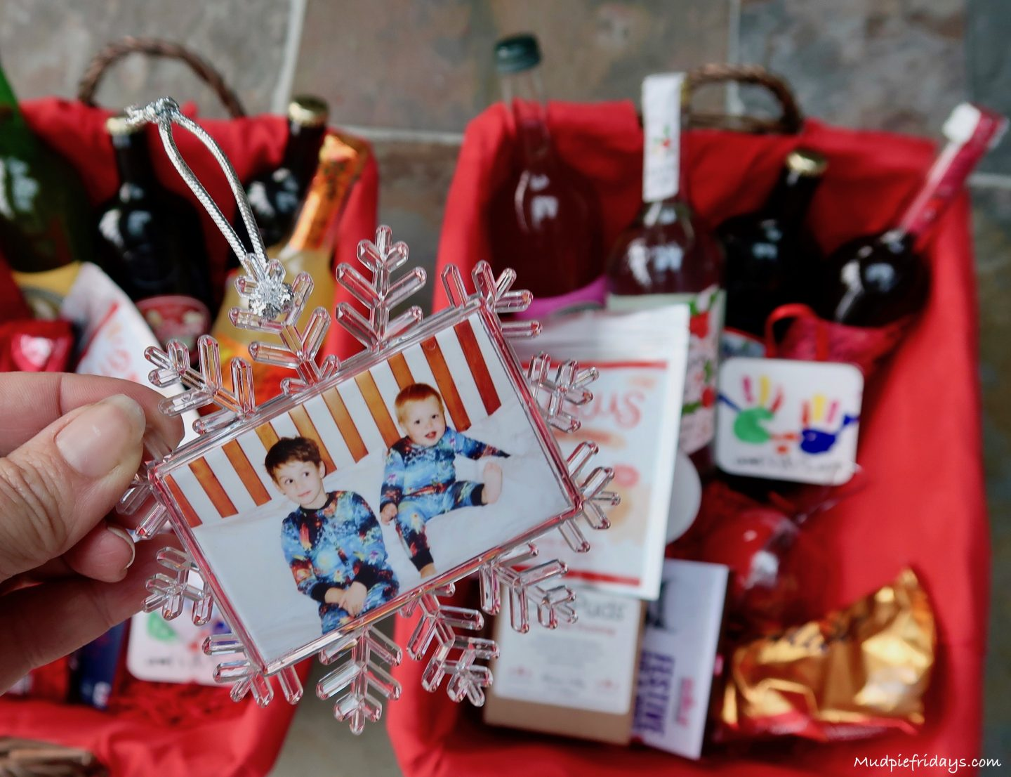 10 Personalised Content Ideas For Grandparent Christmas Hampers