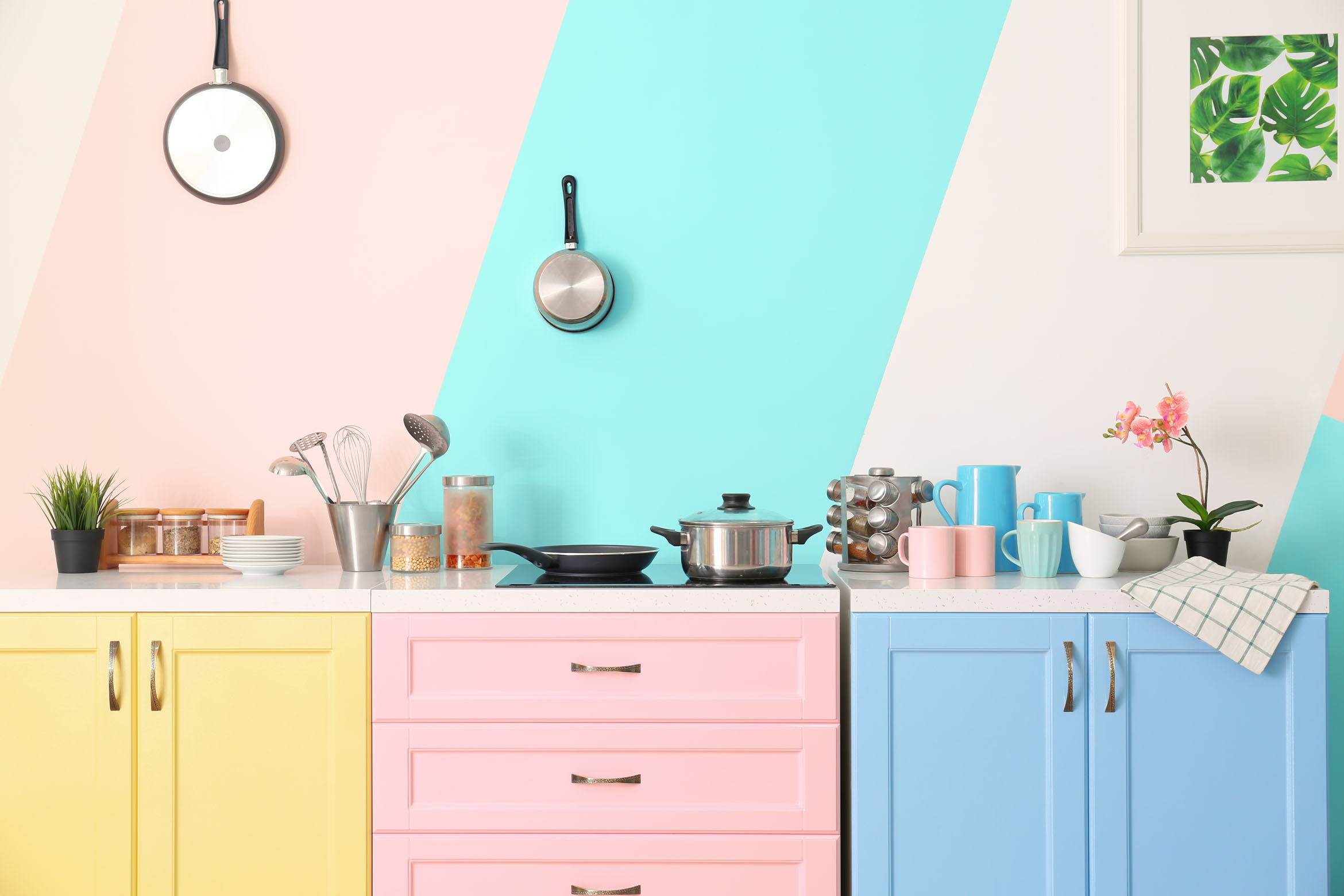 Tips for getting our kitchen sale ready - mudpiefridays.com