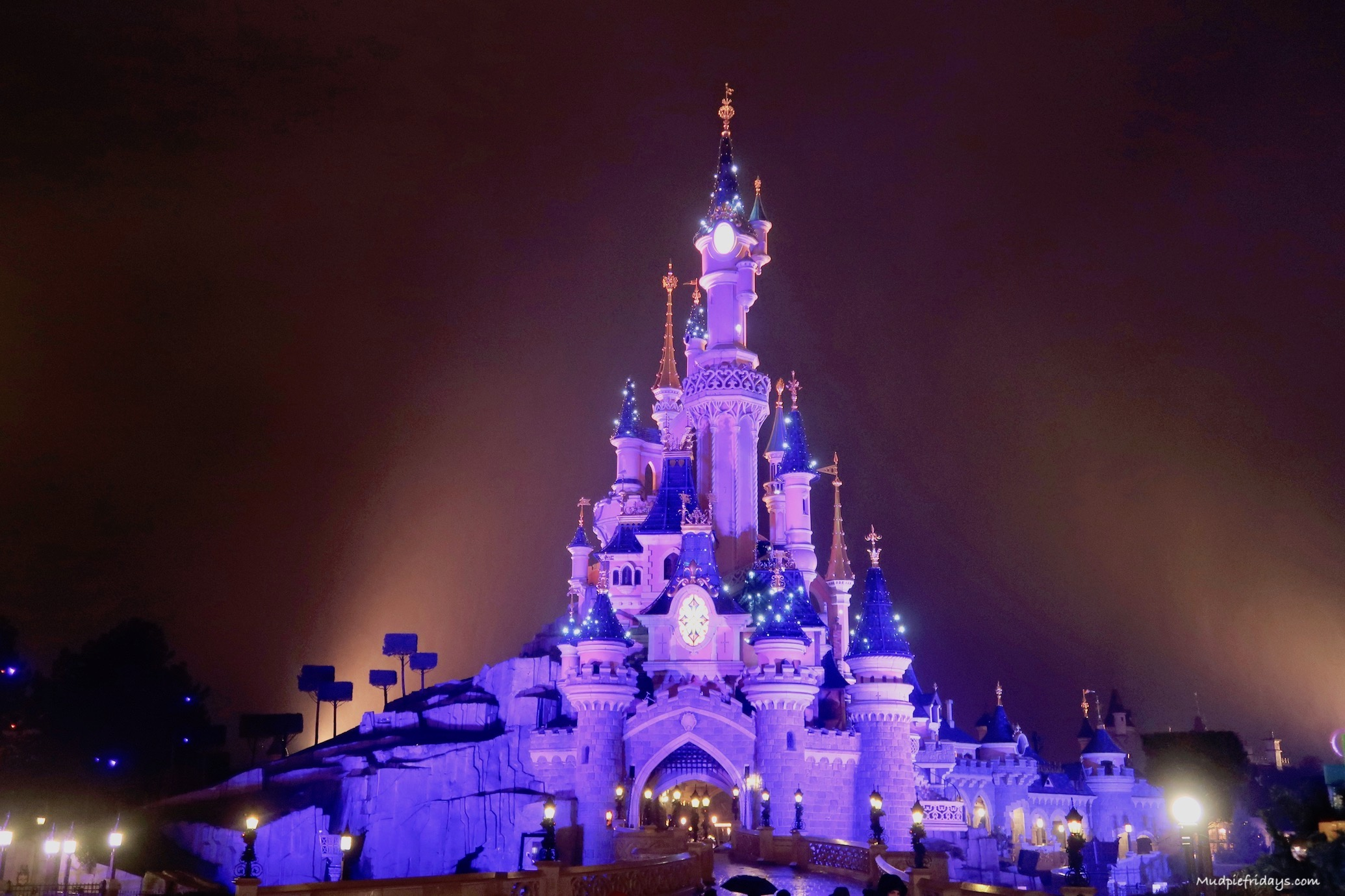 7 Tips For Your First Visit To Disneyland Paris Mudpiefridays Com